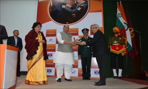 Hon'ble RM felicitating  major Donors at AFFD - CSR Conclave at Manekshaw Centre, Delhi Cantt on 2.12.2019.
